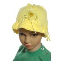 Dievčenská čiapka s kvetinkou